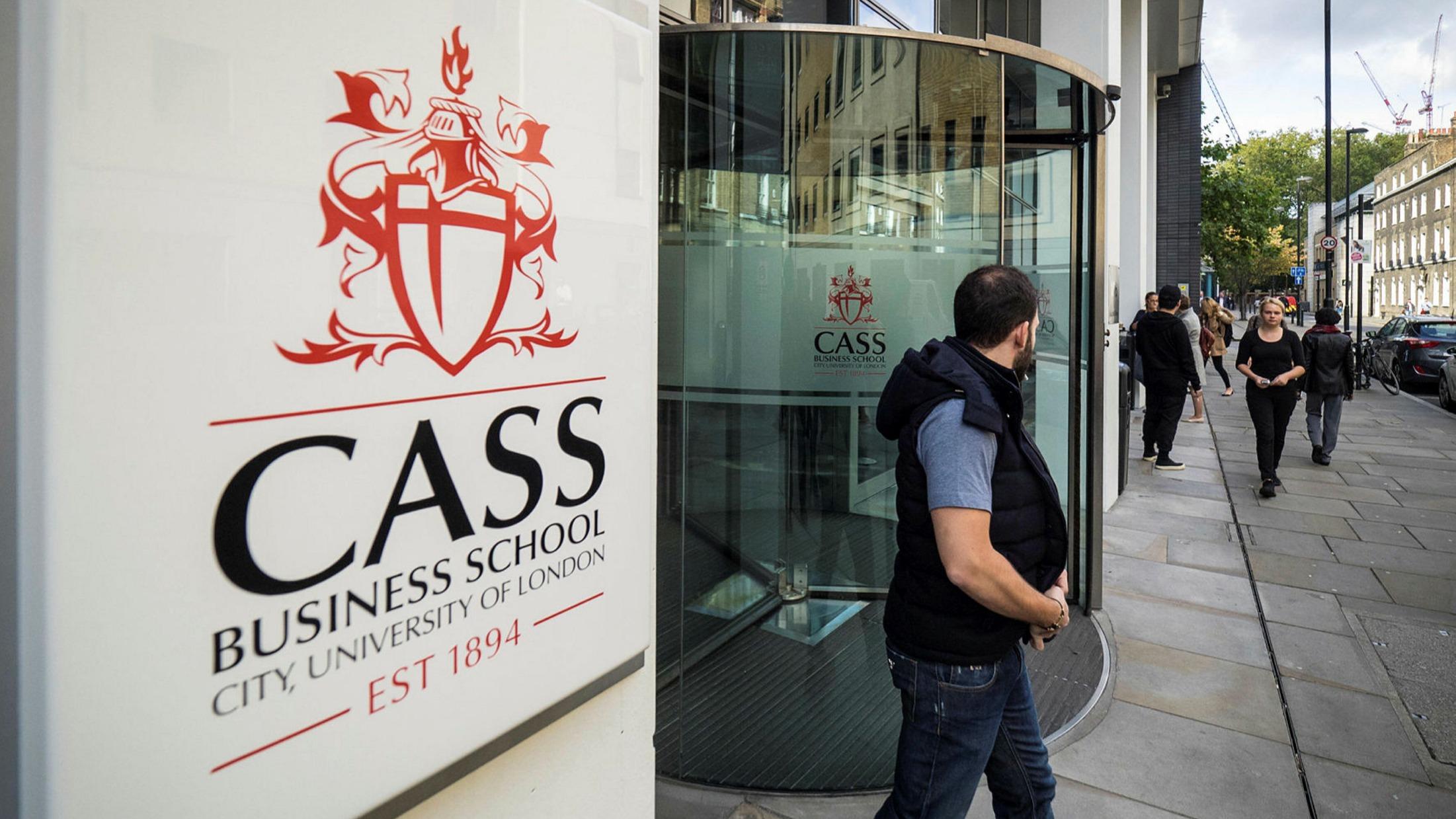 بورسیه دانشکده Cass انگلستان
