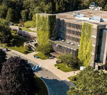 بورسیه دانشگاه مونت سنت وینسنت کانادا